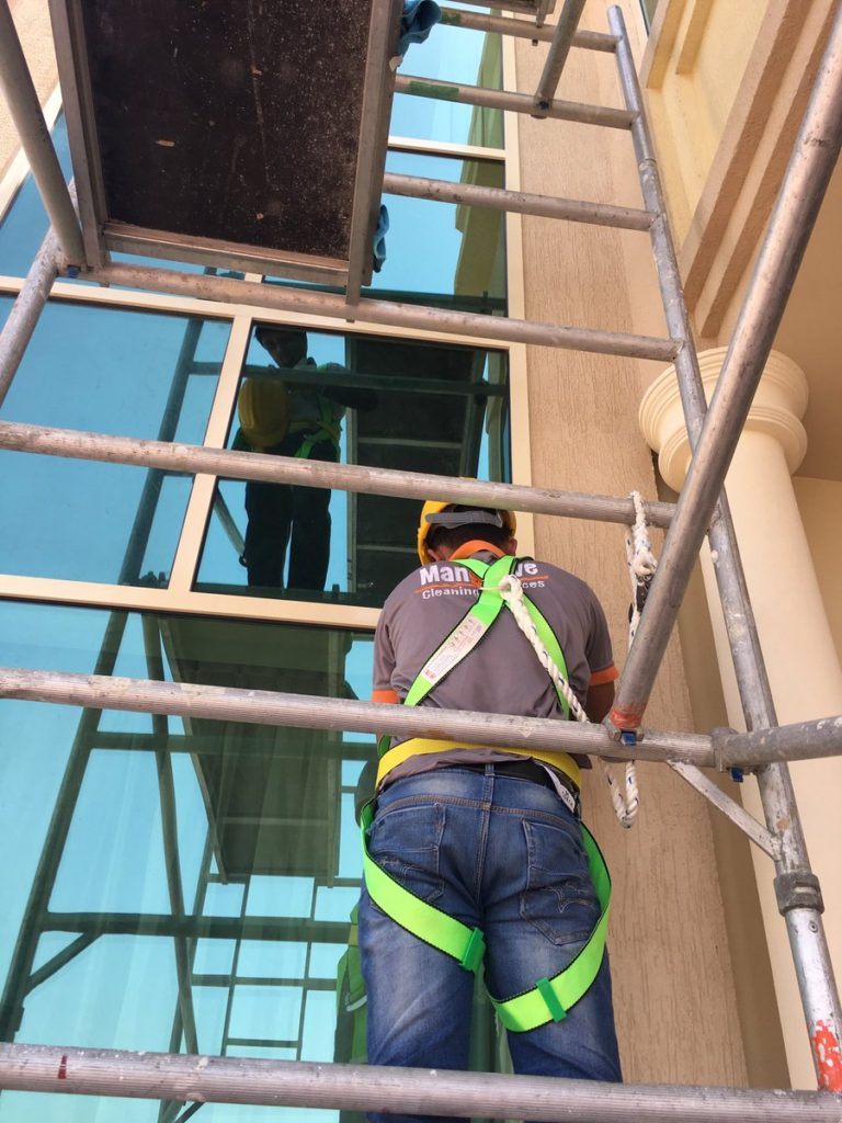Villa Exterior Cleaning in Dubai